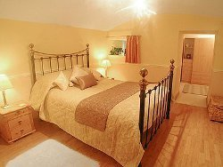 Luxury self catering double bed